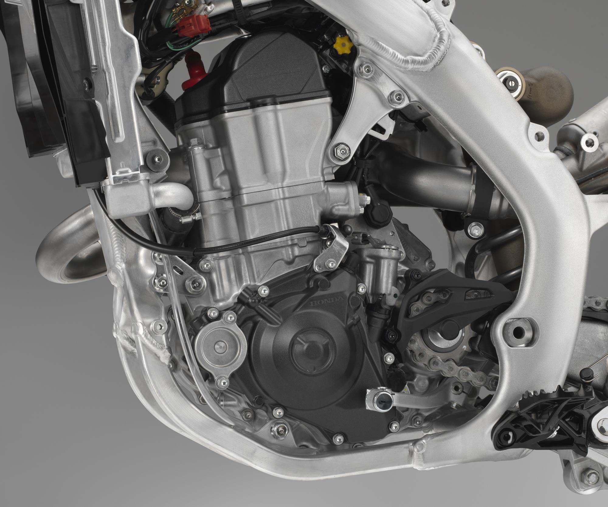 19 Honda CRF450RX_engine L.jpg