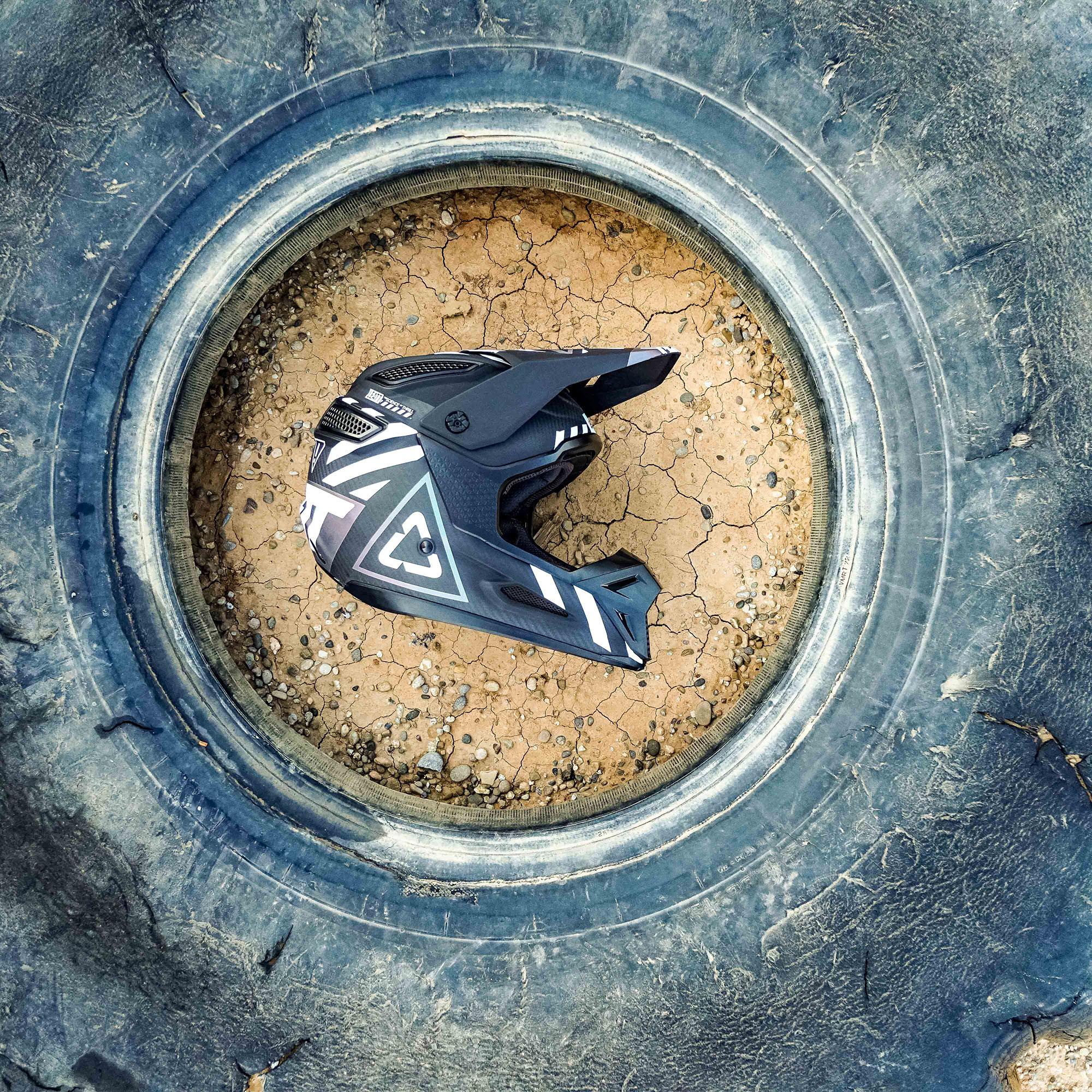Leatt2019-MotoGPX-08971.jpg