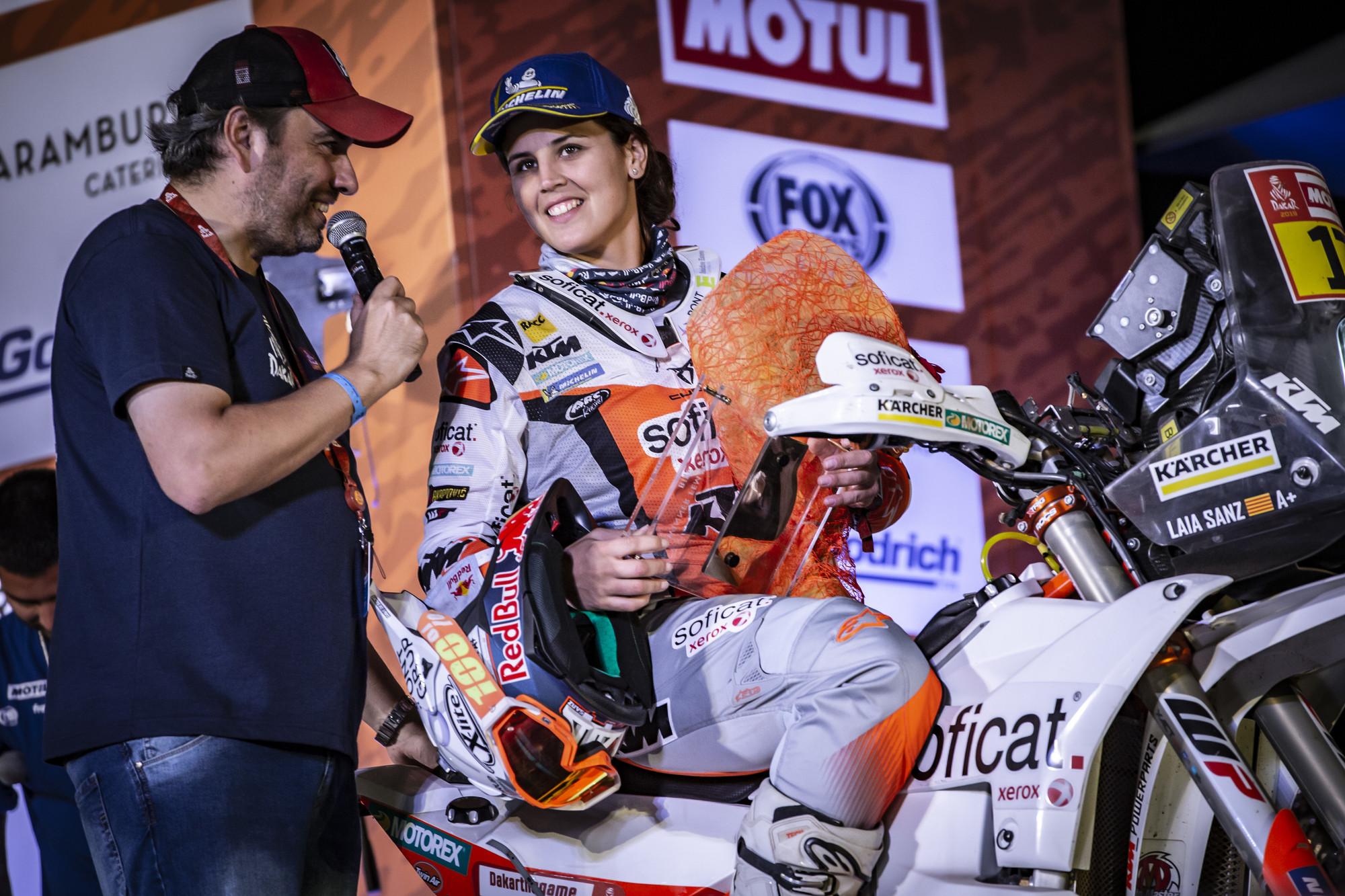 263398_laia.sanz_finish_Red Bull KTM Factory Racing_Dakar2019_492.jpg