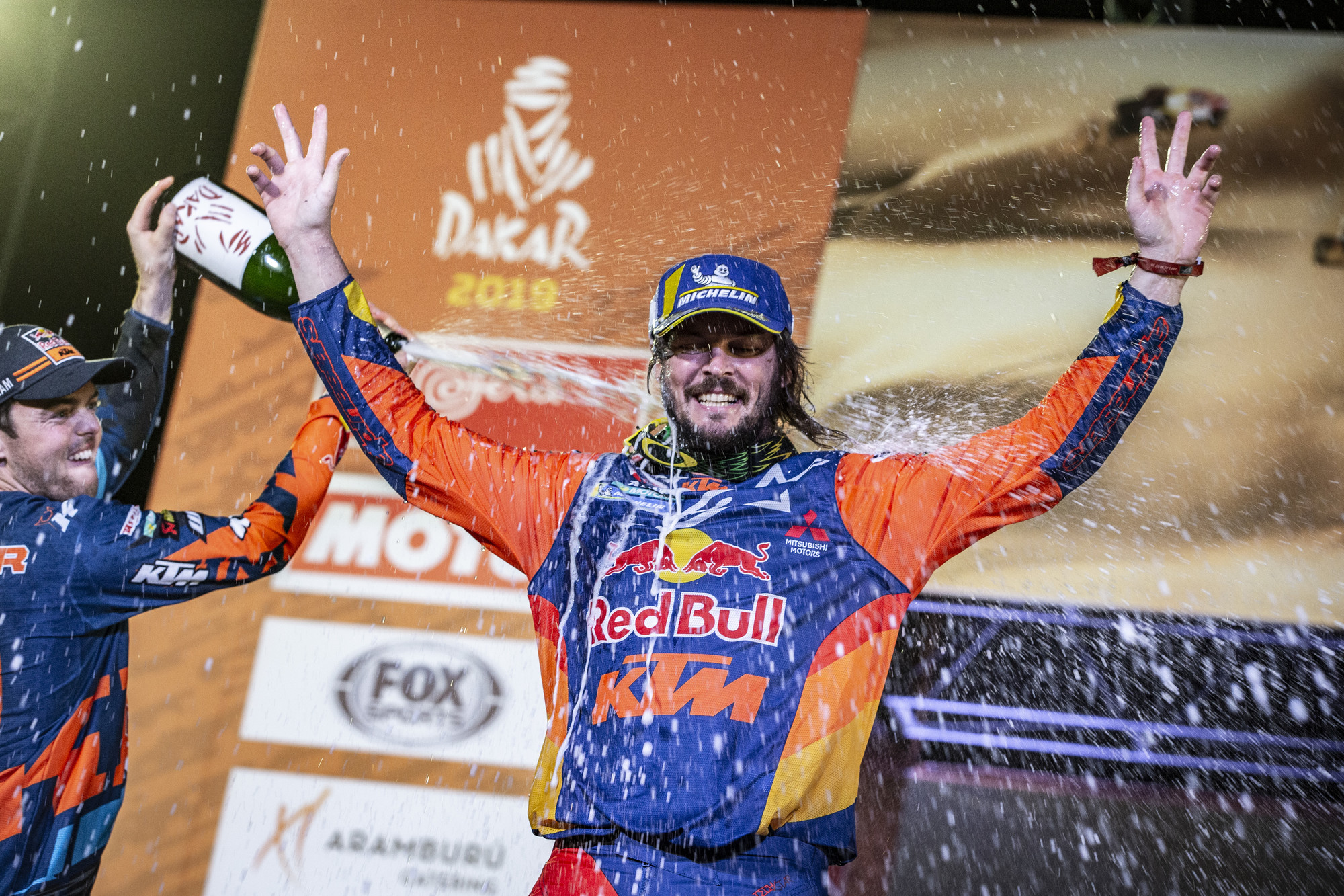263427_toby.price_finish_Red Bull KTM Factory Racing_Dakar2019_504.jpg