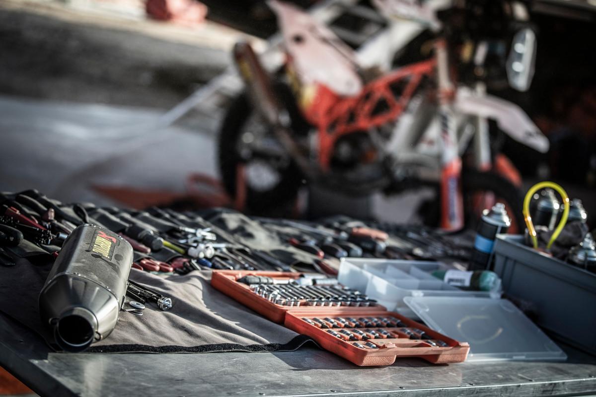 Tools & spare parts Dakar 2019 © Marcin Kin