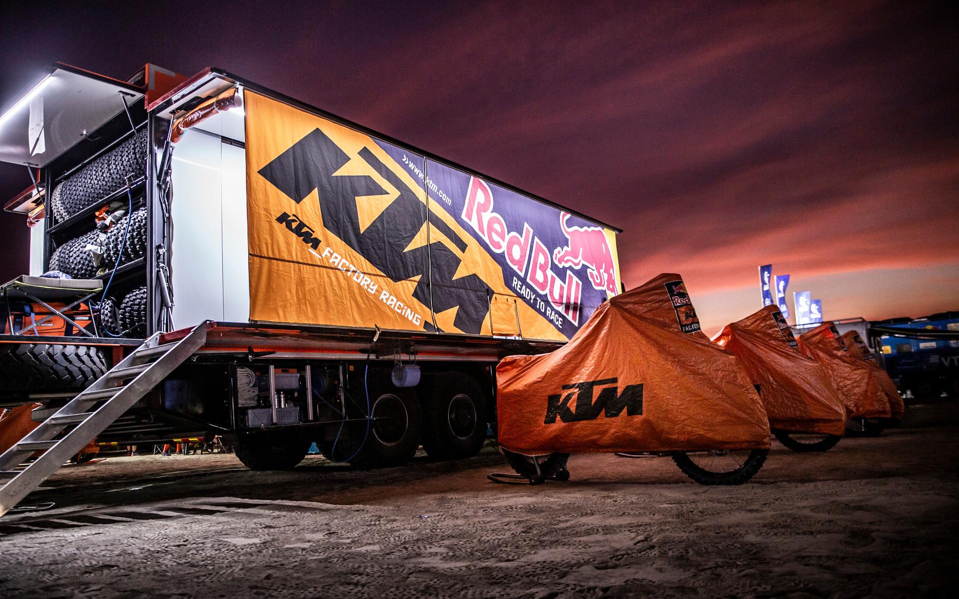 262241_misc_stage2_Red Bull KTM Factory Racing_Dakar2019_148.jpg
