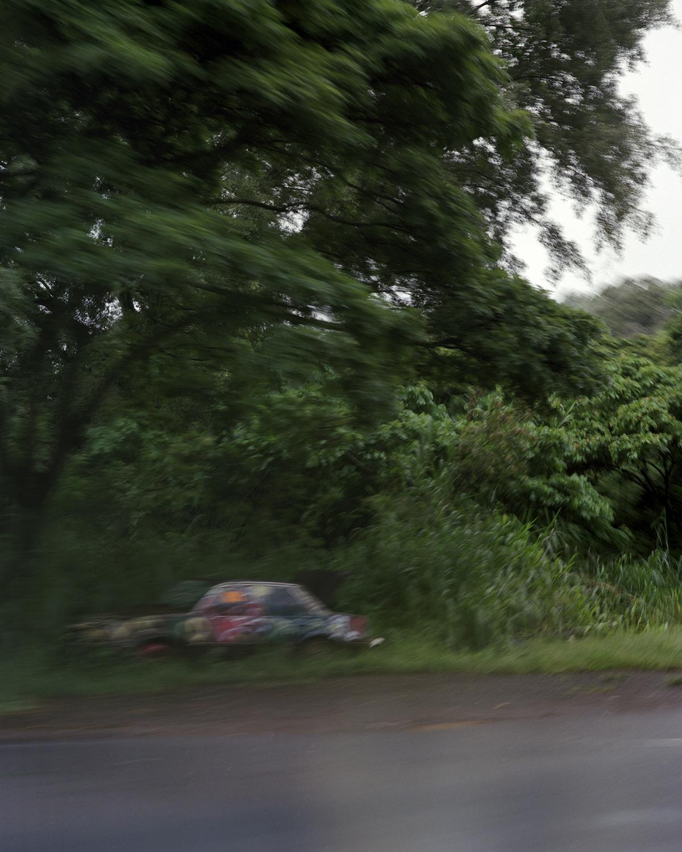 Hana_dead car_01.jpg