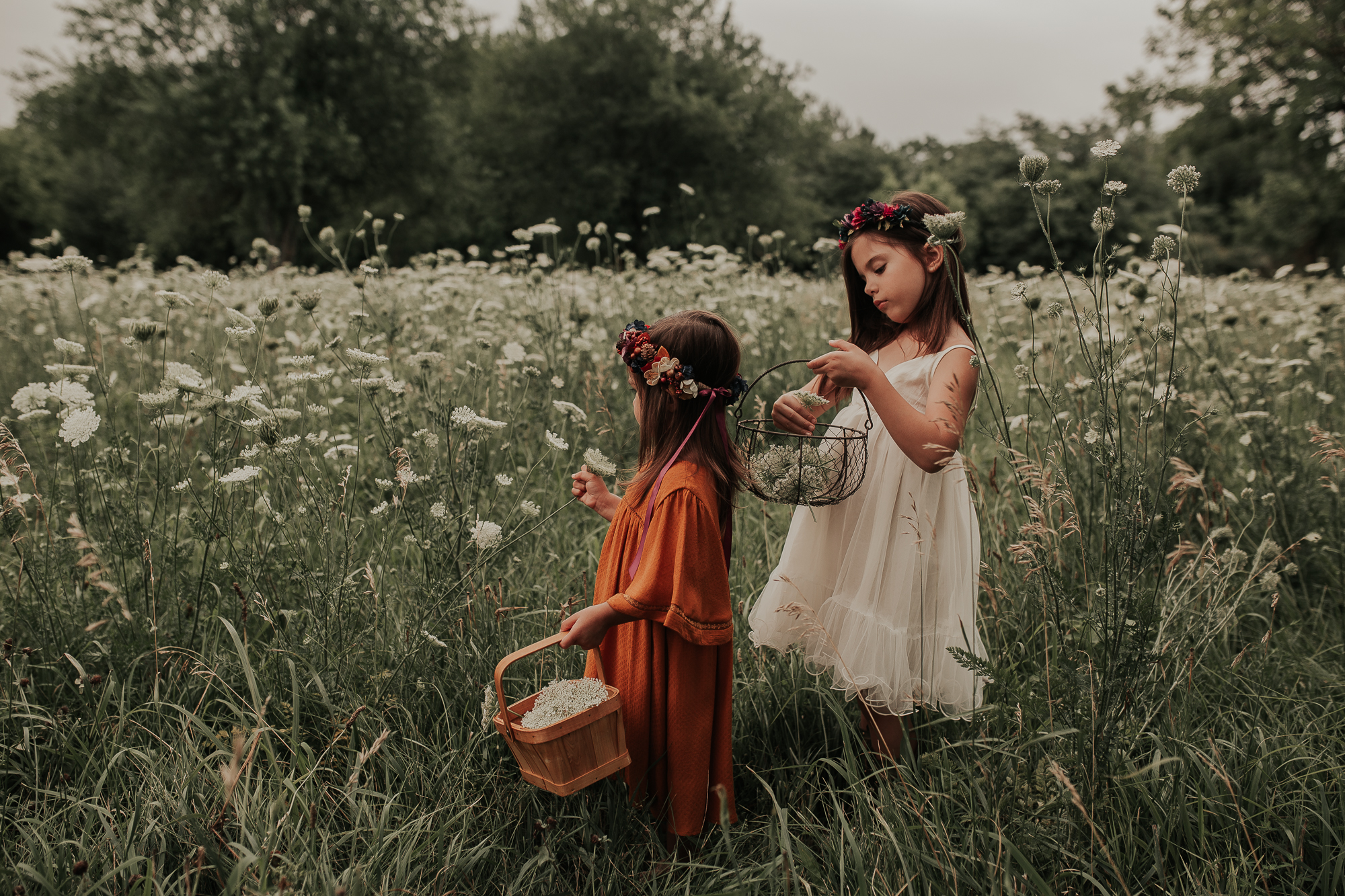 Salter-Girls-Flowers-Family-Session-jessesalter.photography.jpg