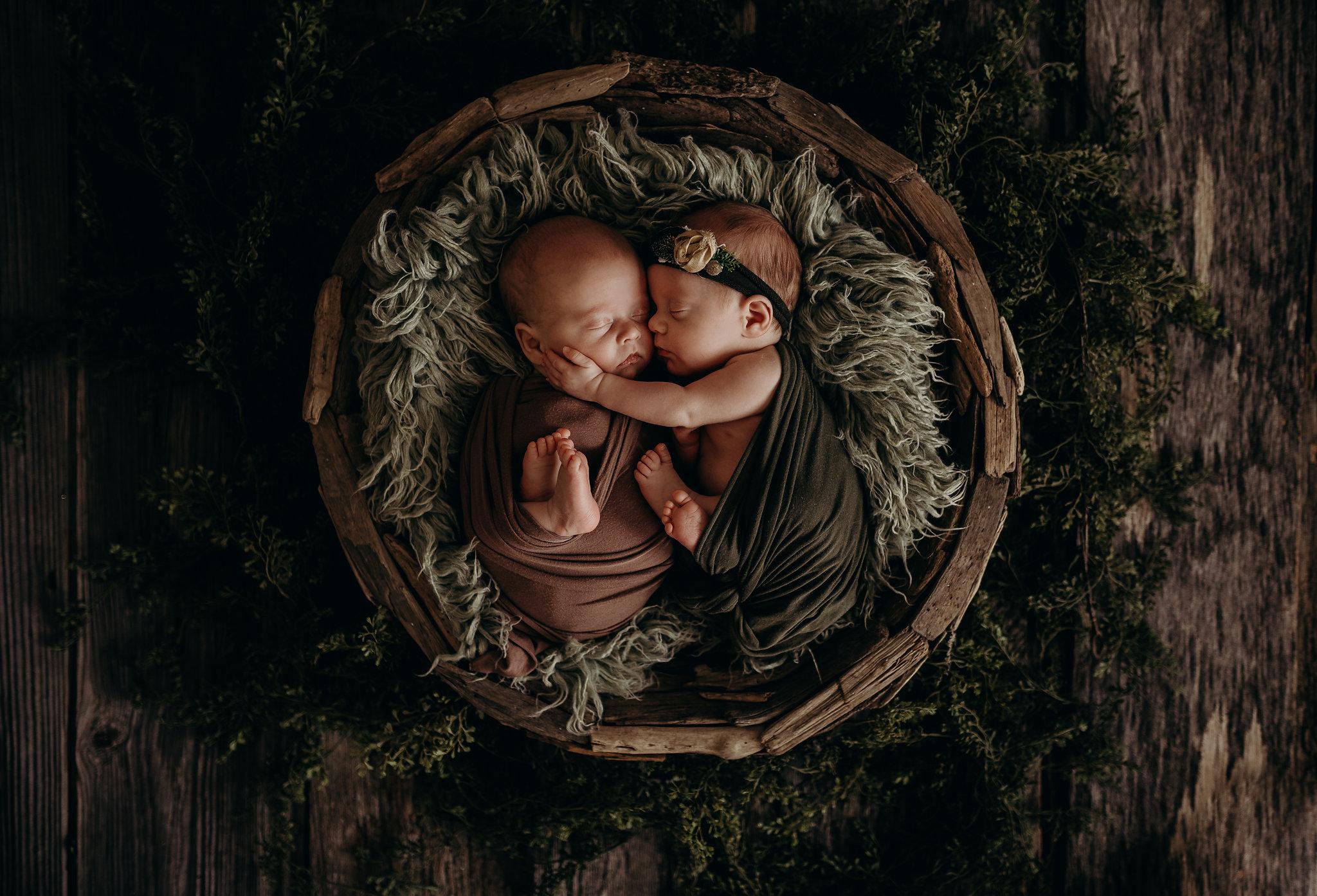 Noah-Emma-Twins-Studio-Newborn-SEssion-Jesse-Salter-Photography-41.jpg