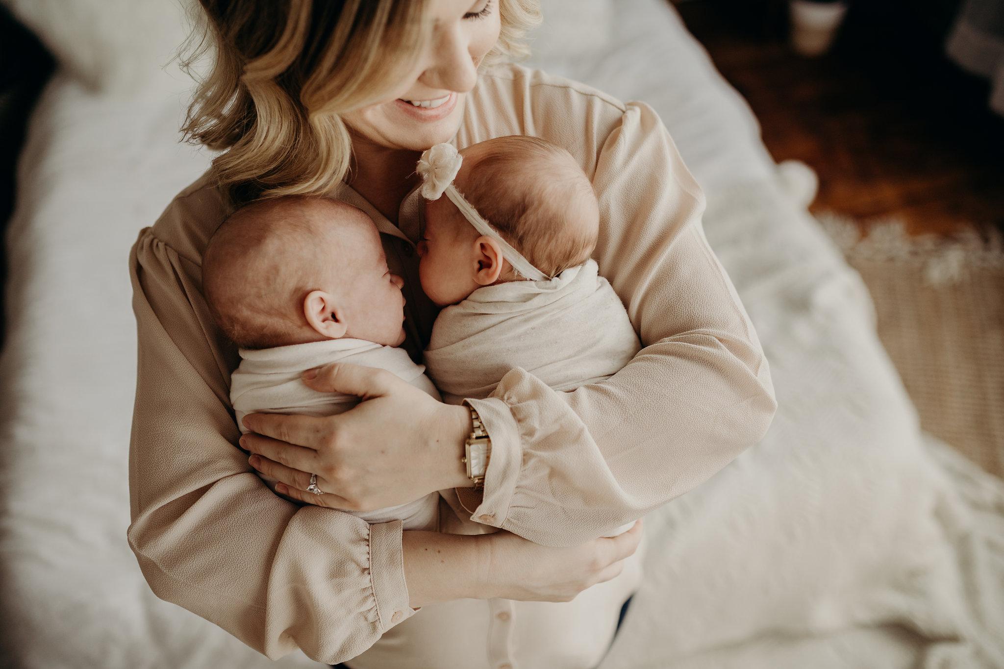 Noah-Emma-Twins-Studio-Newborn-SEssion-Jesse-Salter-Photography-21.jpg