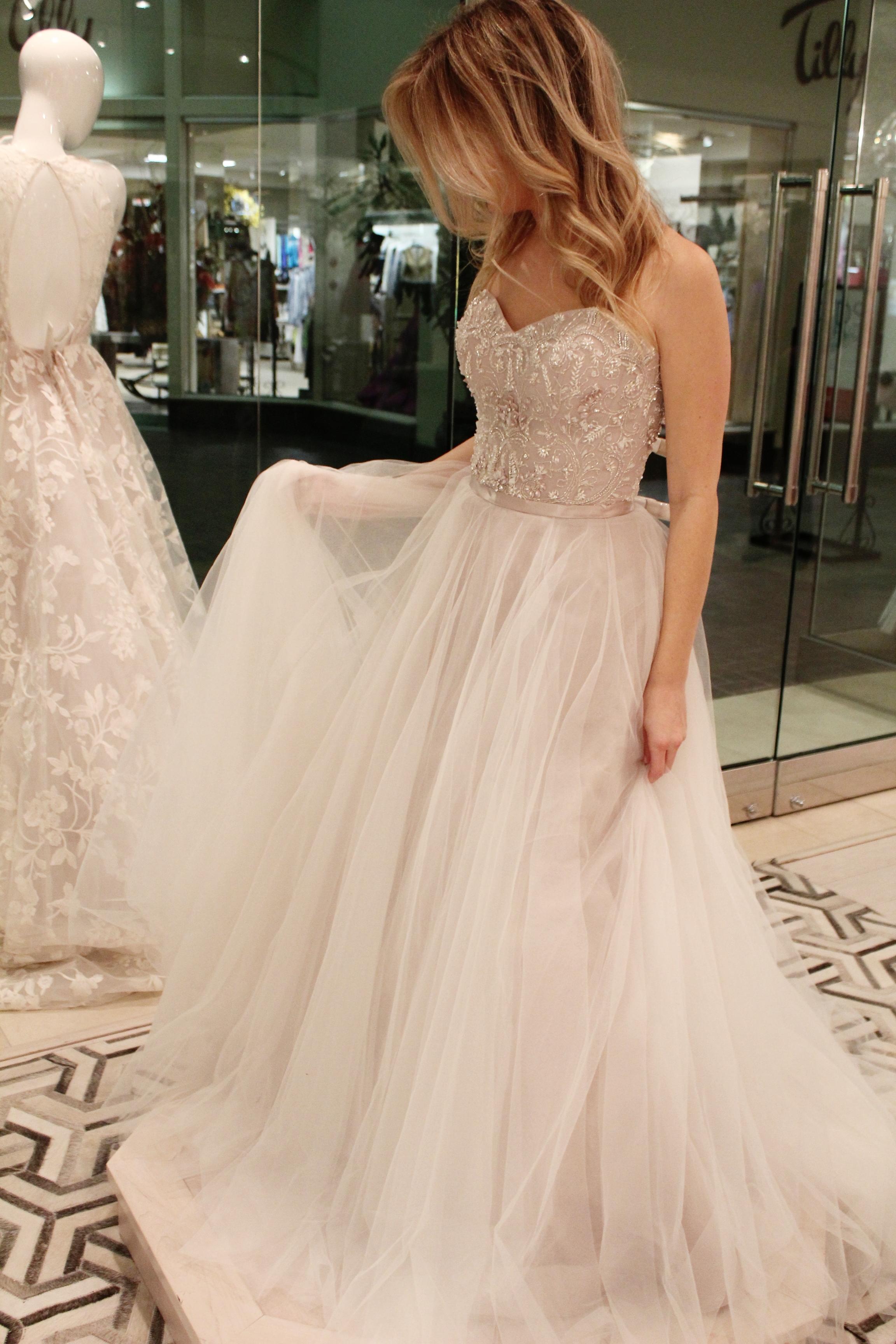 Wedding Dress Shopping Clocking Out,Sample Sale Wedding Dresses