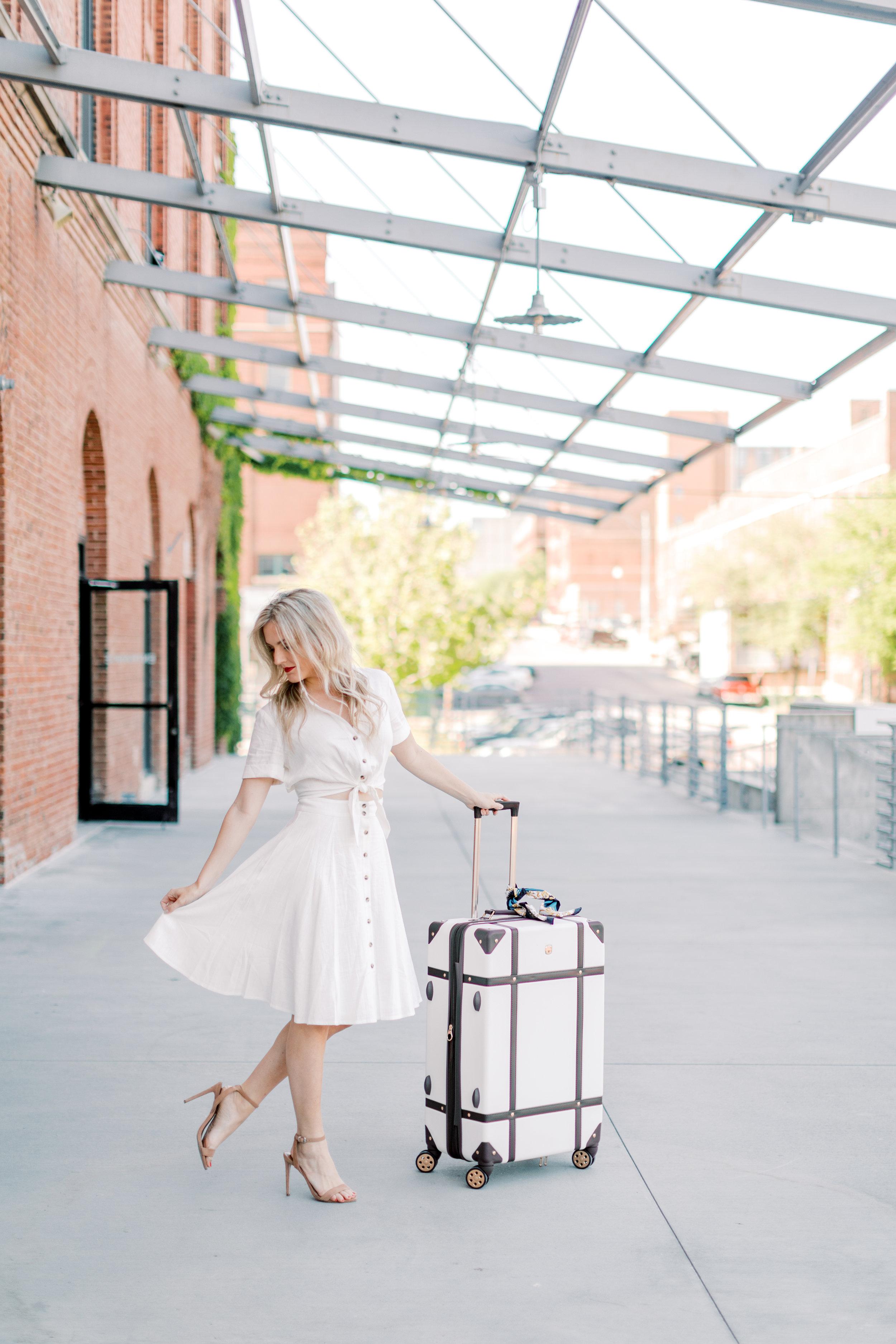 21 - © 2019 Ashley Nicole Photography - Little Bohemia_Omaha_Blogger.jpg