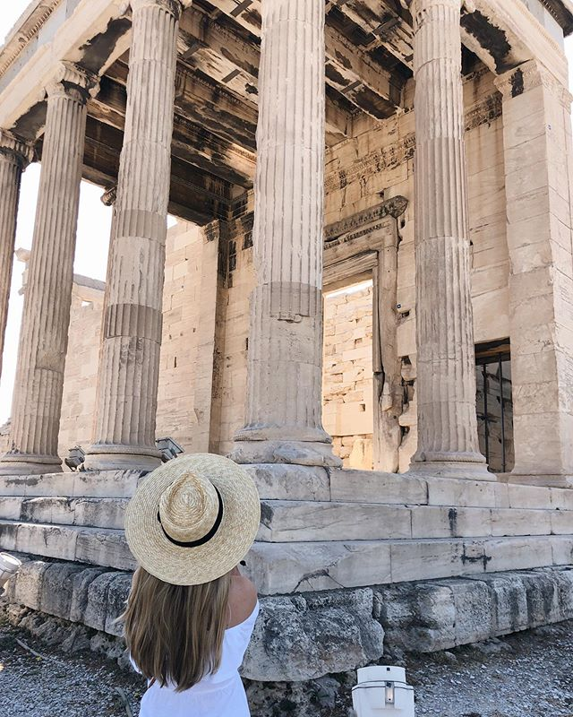 wrapped up our first (and only) full day in Athens and already missing it 😭 Greece you are so beautiful!