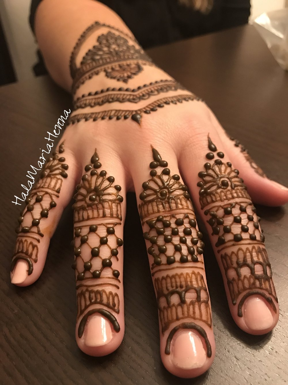 09+Hala+Maria+Henna+Mehndi+Simple+Bridal+Wedding+Sangeet+Grid+Dots+Floral+Designs