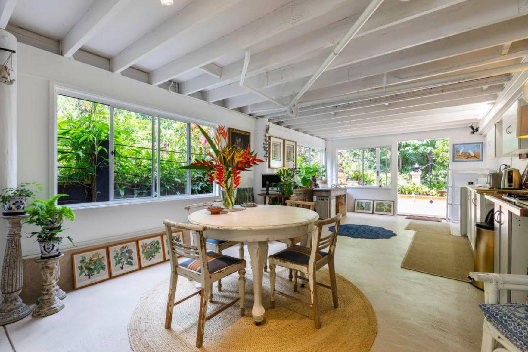 airbnb-apartment3.jpg