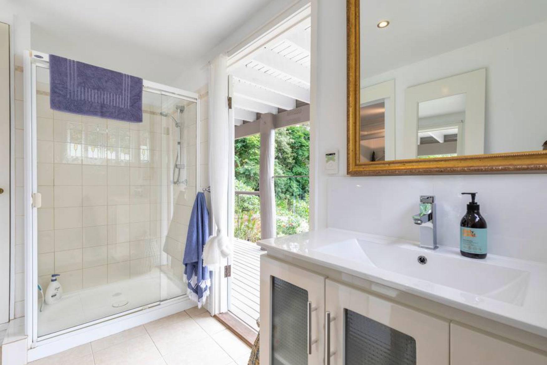 airbnb-apartment5.jpg