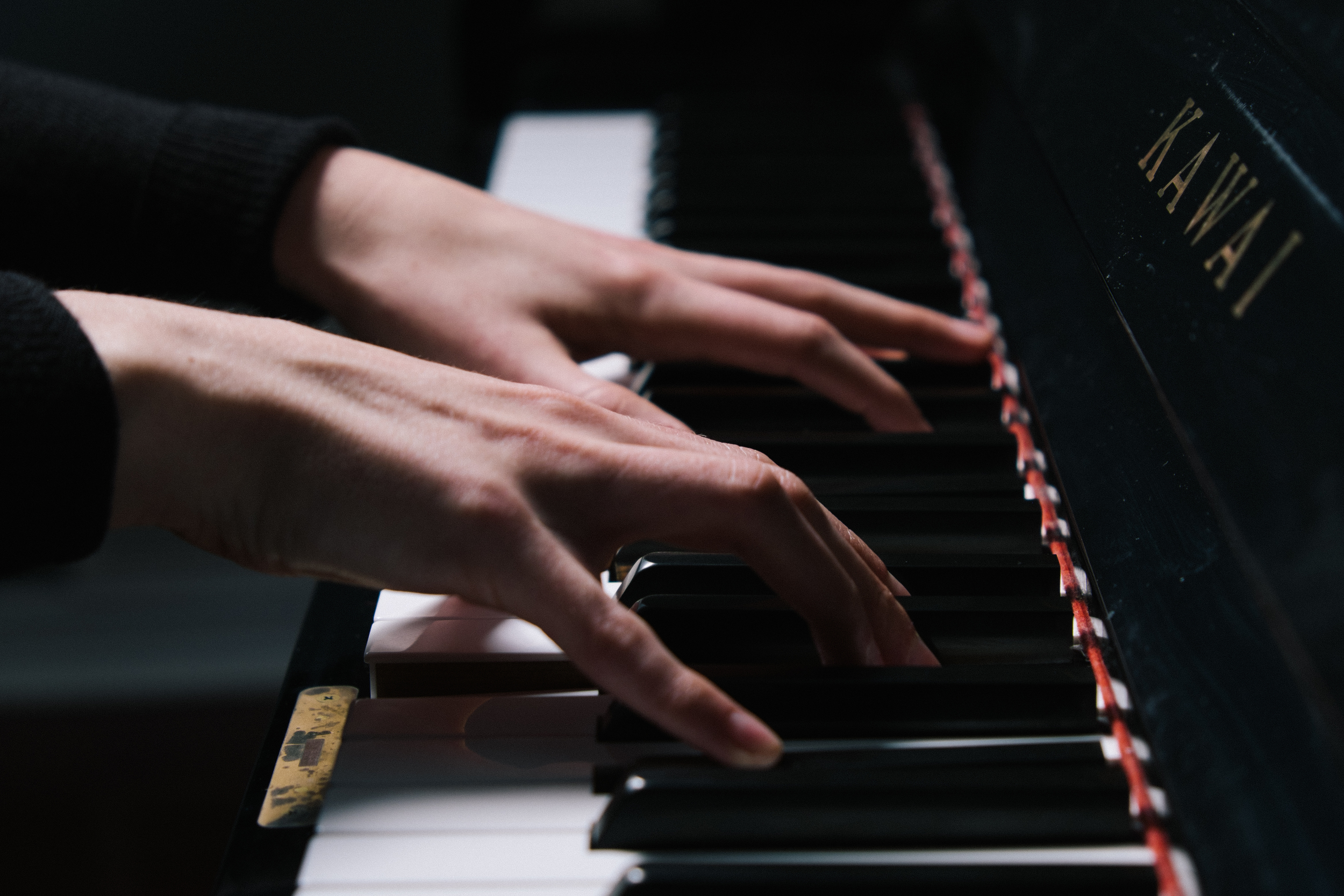 Piano Lessons  by Amy Valyear, BMus, MYCC, RMT.   Contact