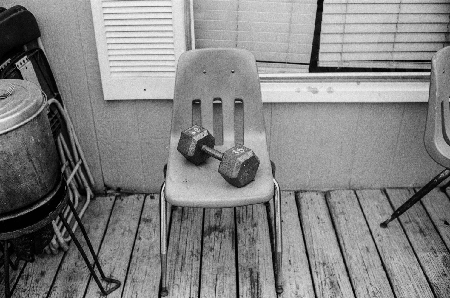 chair_dumbell.jpg