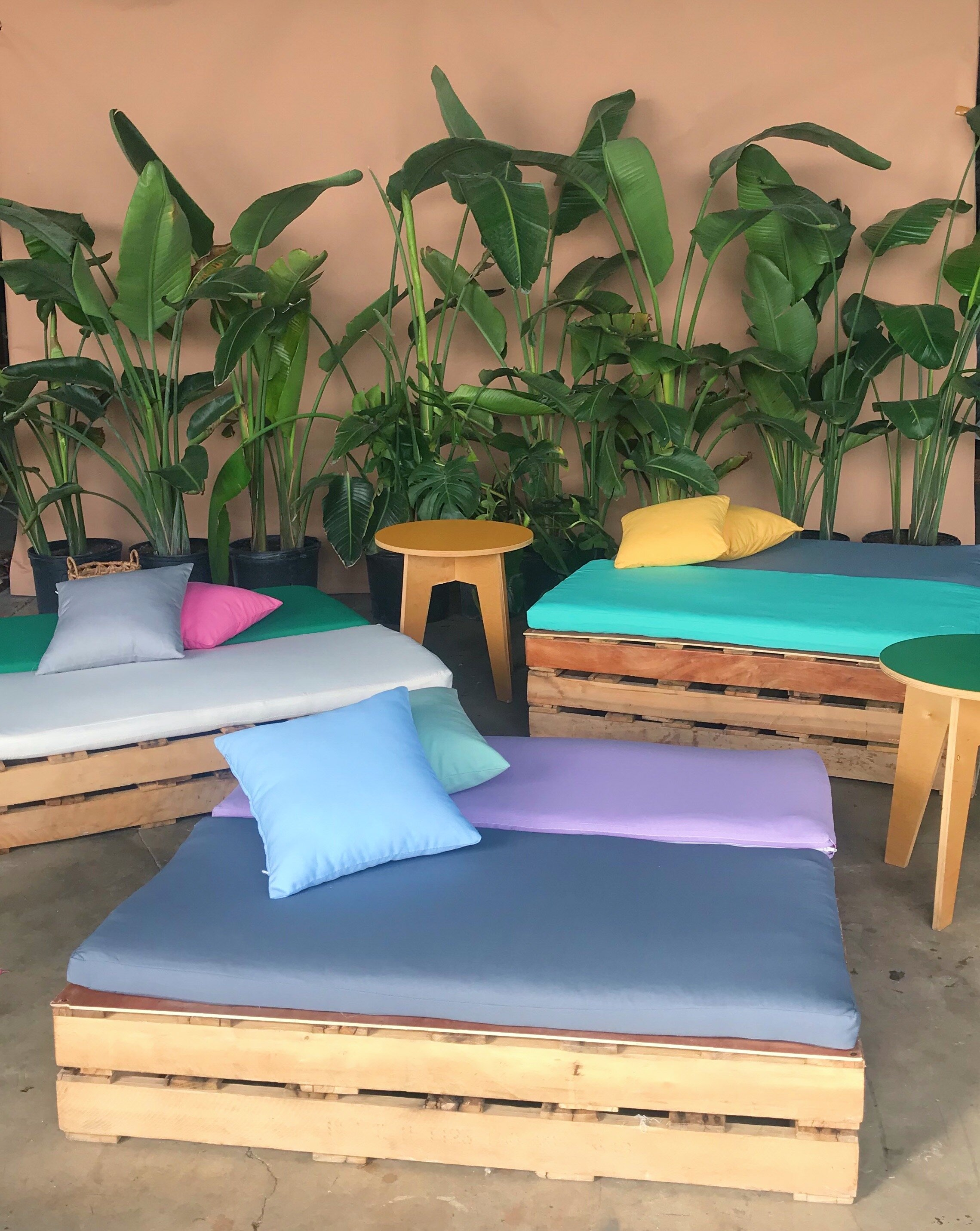 Wood Pallet Lounge Beds For Events Ronen Rental