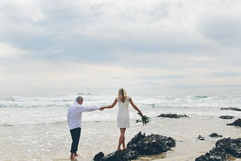 J a c q u i & M a r k.  Blissful day to elope and climb rocks for me yesterday at one of my favourite locations, Wategos beach. #wategos #byronbay #oliviatexierphotography #byronbaybeachwedding #elopement  (at Wategos Beach)