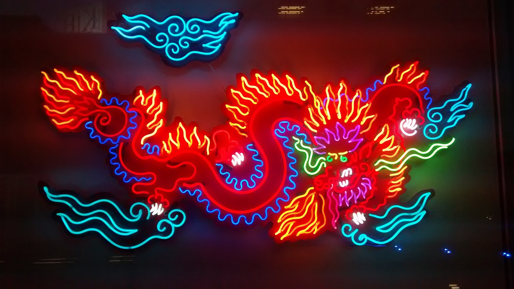 Neon_Dragon_at_Museum_of_Neon_Art.jpg
