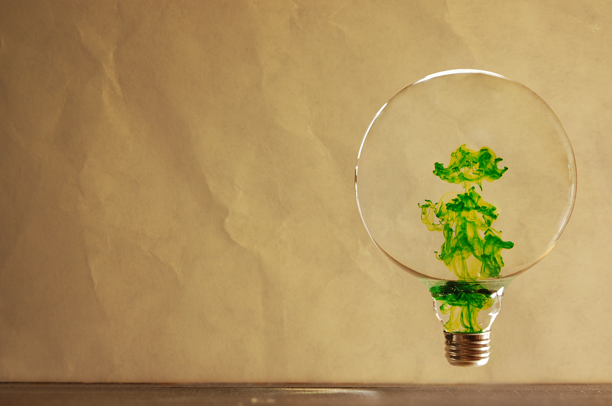 Food coloring defies gravity in a water-filled lightbulb