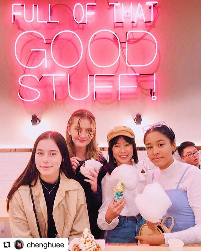 The best friendships are the kind where you can catch up and eat ice-cream @milkcowau . . 📷: @chenghuee