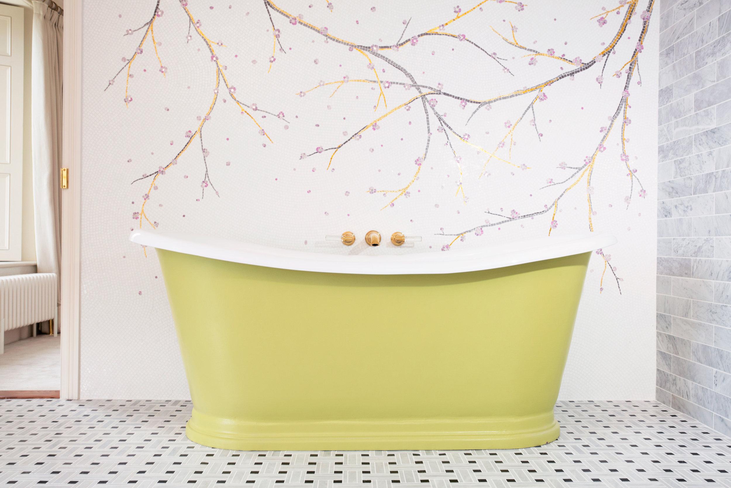 WEB-MASTER-BATHROOM-BATH.jpg