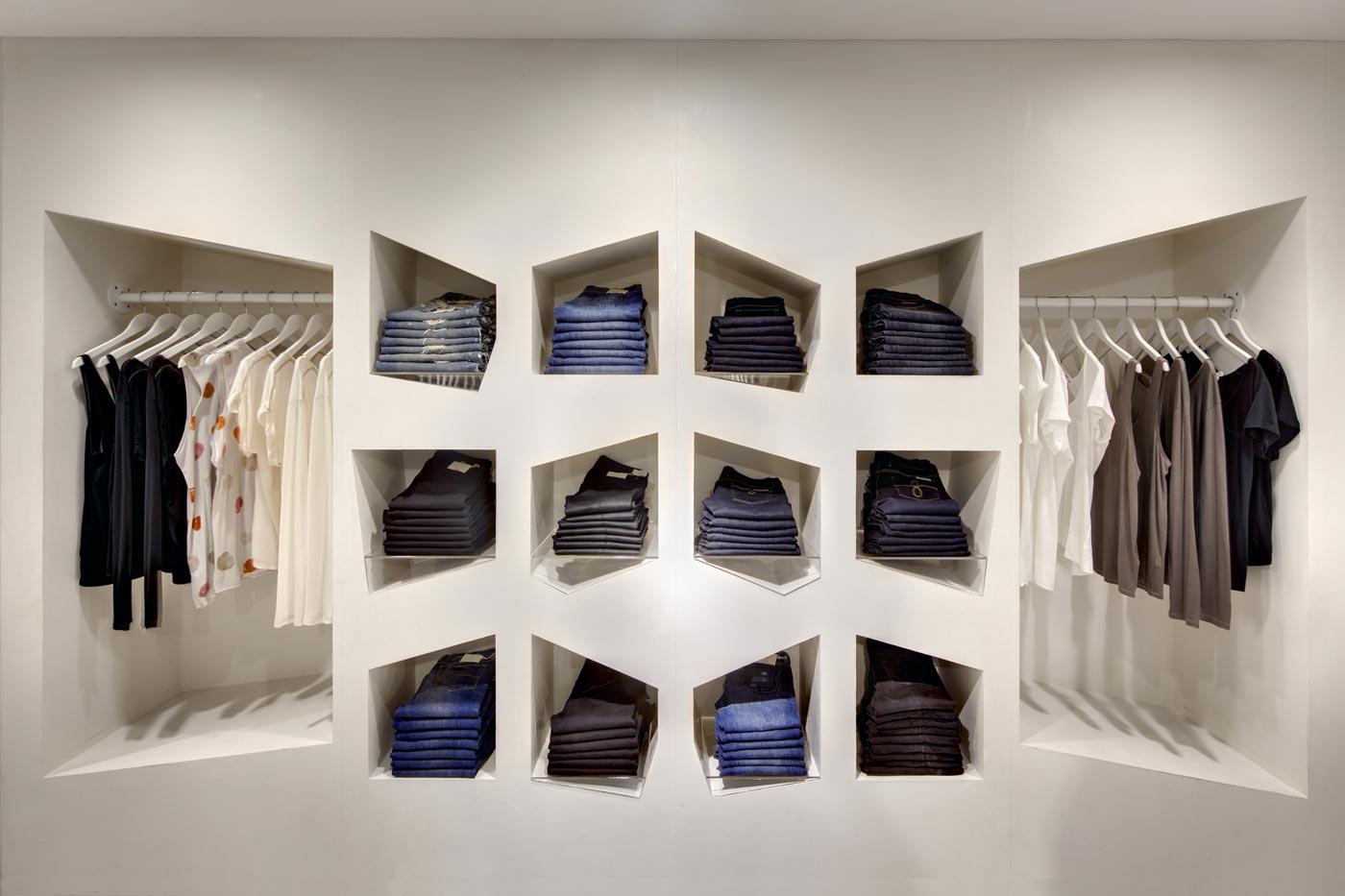 Sass & Bide Store in Australien. Unerwartete visuelle Elemente sind die Antwort auf emotionale und ästhetische Bedürfnisse des Kunden.