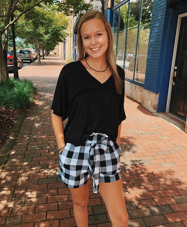 Check out Erin in these super cute new checkered shorts we got! They come in multiple colors!🤩