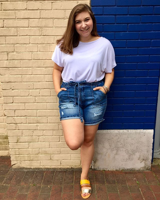 Leila is all American in these distressed denim shorts and white tee! ⭐️⭐️ Come shop 10-6 Monday through Saturday and let us help you find that perfect outfit. 💋