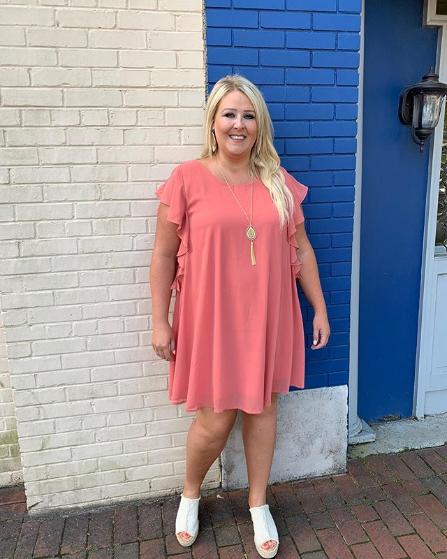 Jennifer looks absolutely adorable in this flowy summer dress!☀️ Come grab it today! We're open from 10-6!