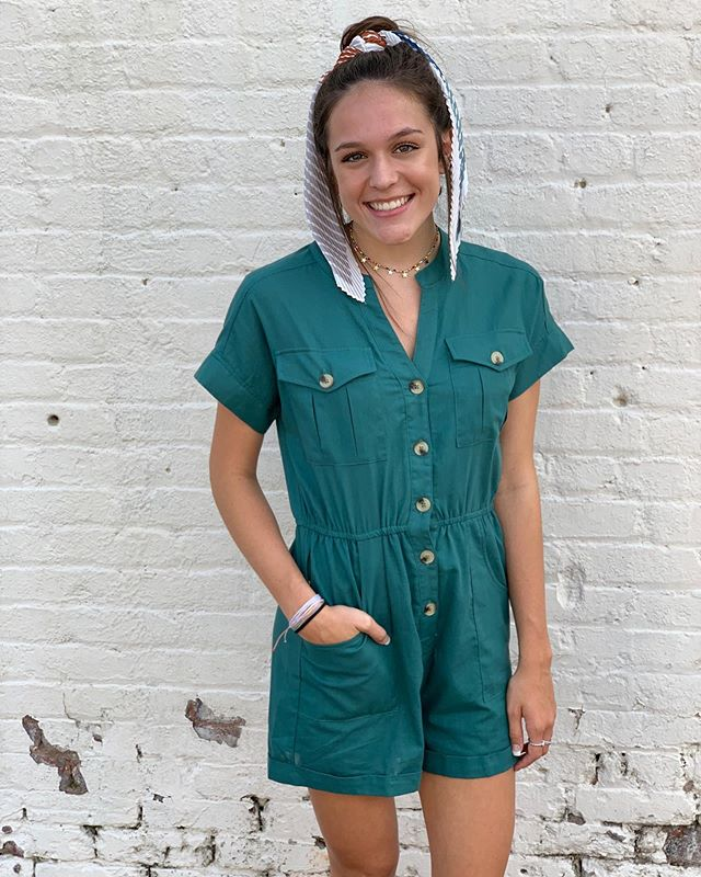 Grace is killing it in this romper! 💋 She ties it all in with a hair scarf and amazing jewelry! 🤩 Come find an outfit for yourself from 10-6. 💥
