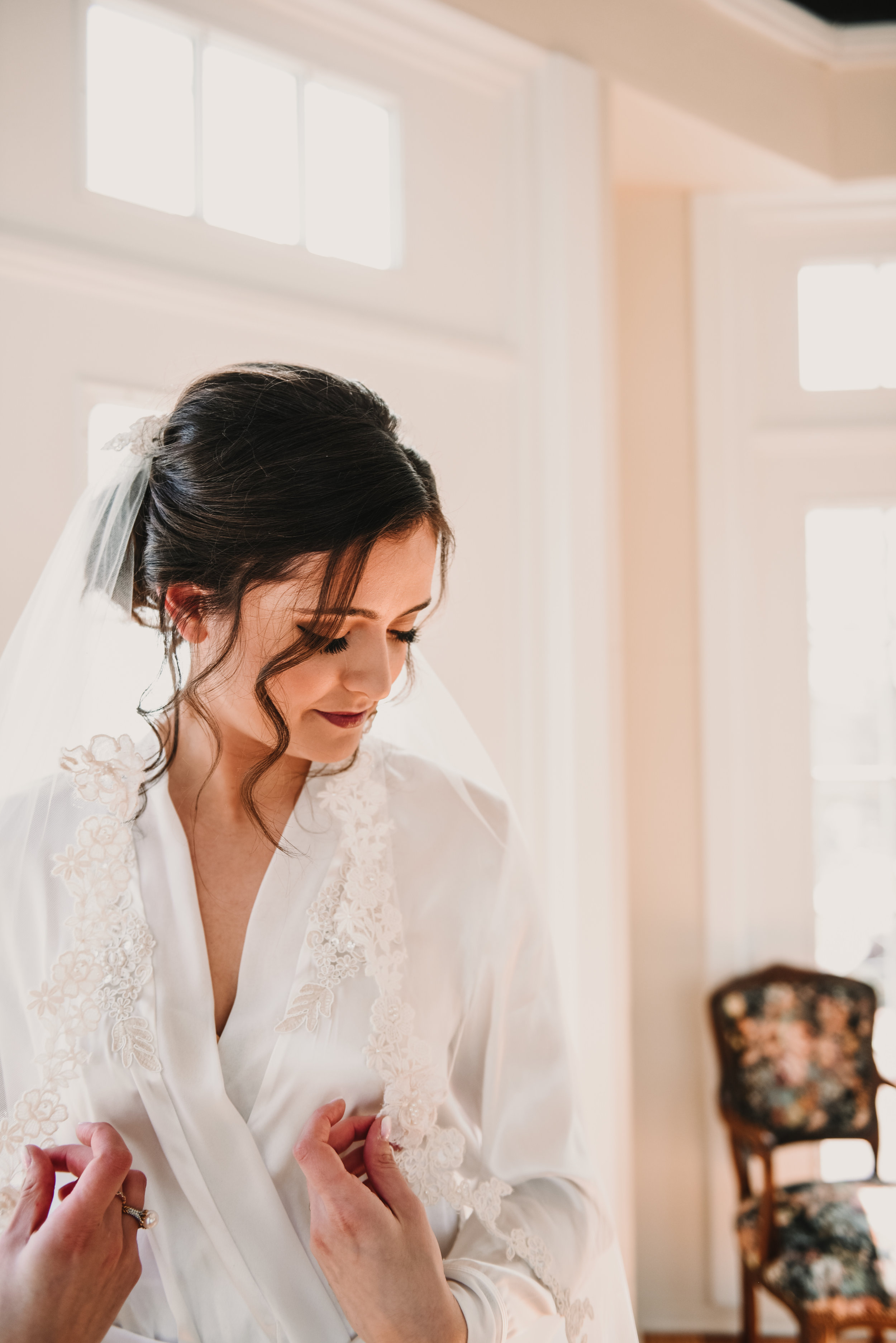 bride getting ready for her wedding in Michigan