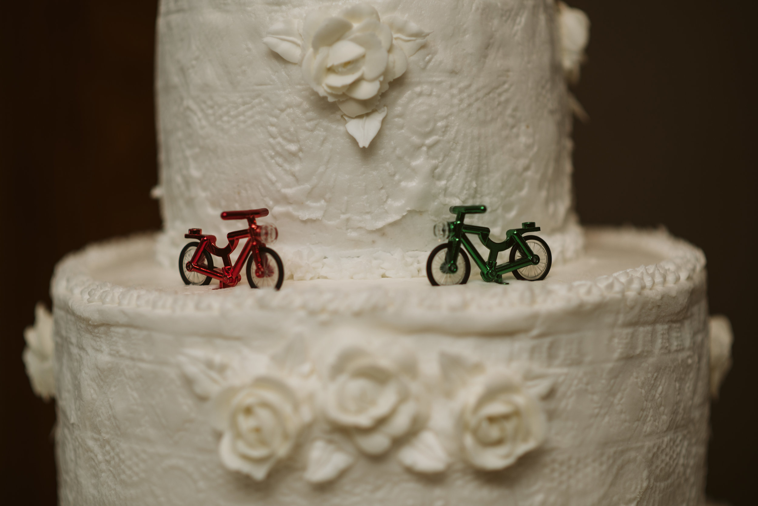 wedding cake with toy bicycles