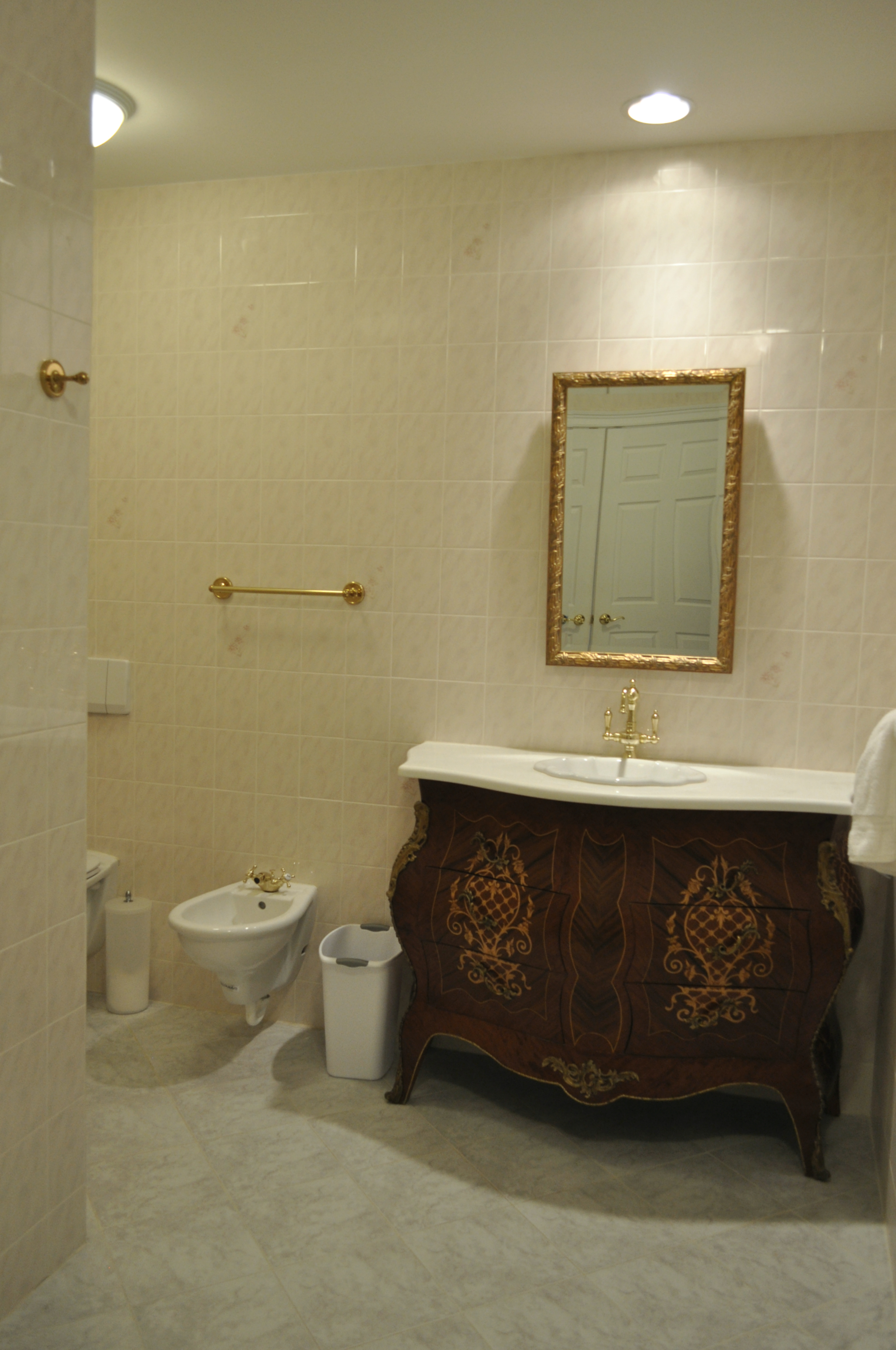 DS Bathroom1.jpg