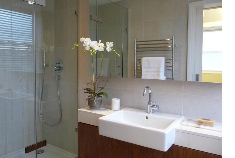 Portman_Towers_Bathroom_Interior.jpg