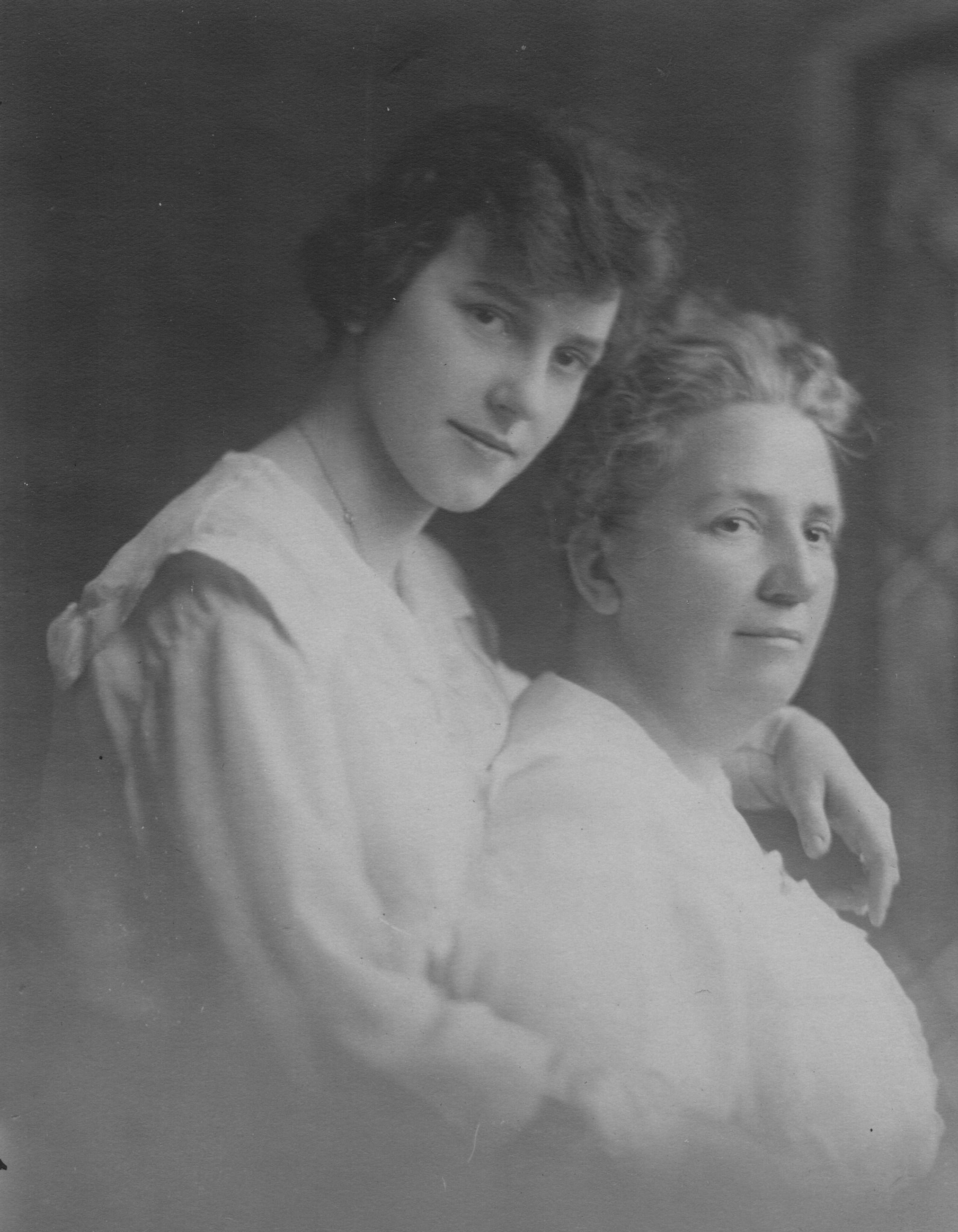 Virginia Cuyler and Lillie Watters Cuyler