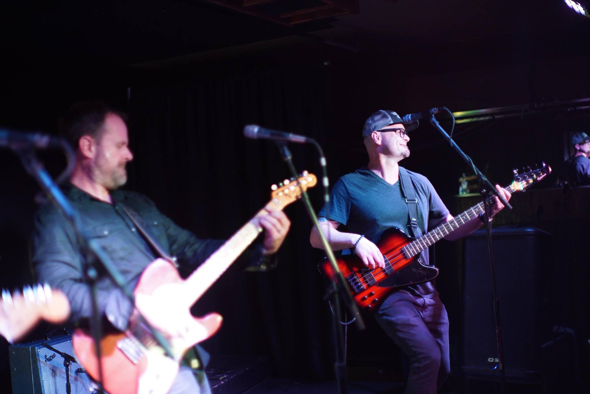 Purusa live at Analog Cafe, Portland.