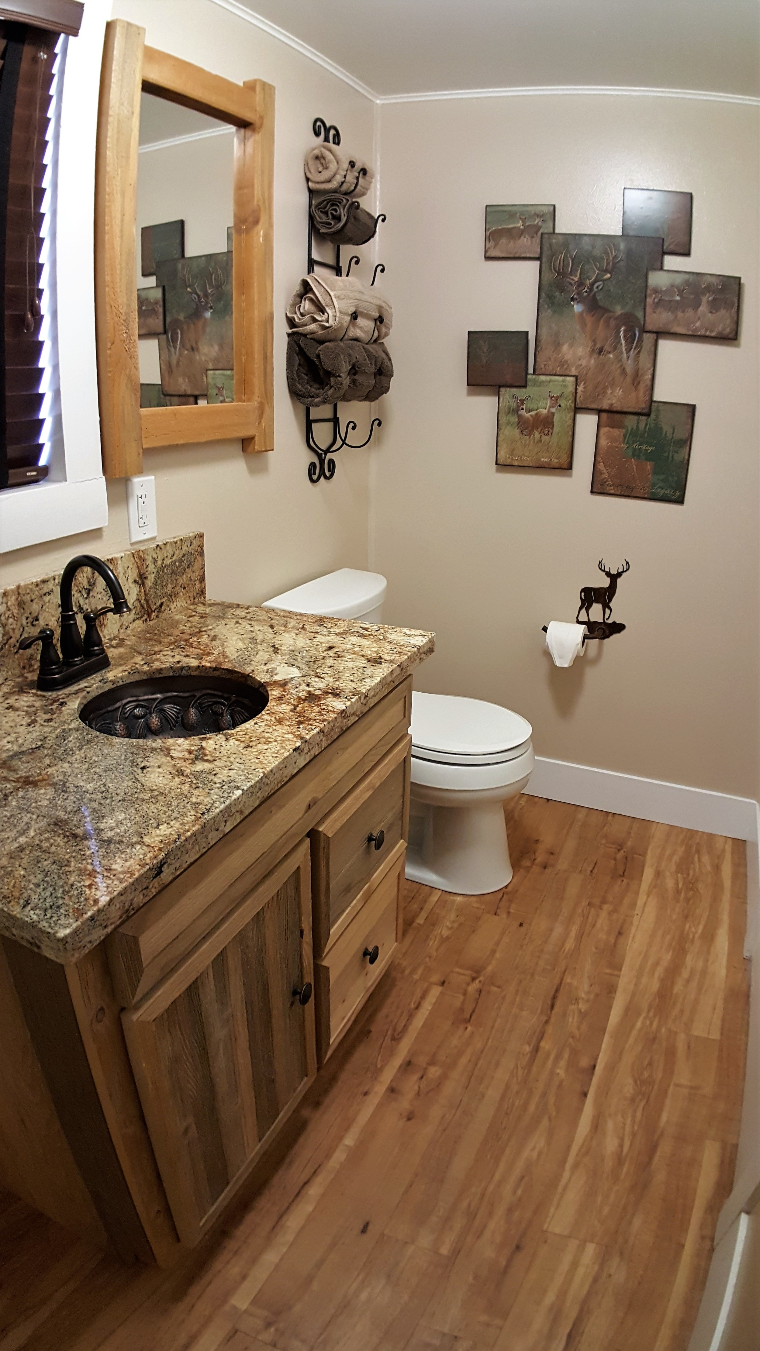 Bathroom 18-2.jpg