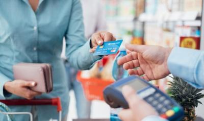 woman credit card.jpg