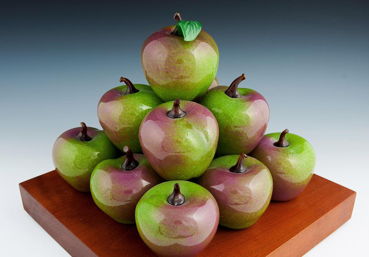 14 Apples.