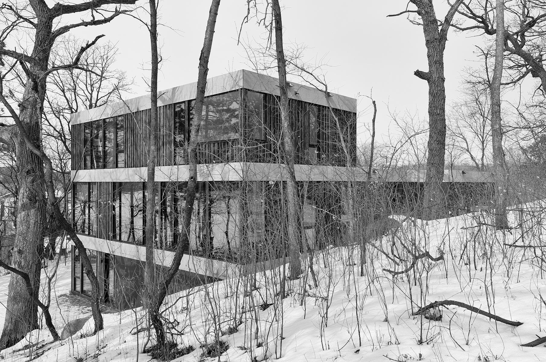 ALTUS-hanrehan-lake-house-5266-bw.jpg