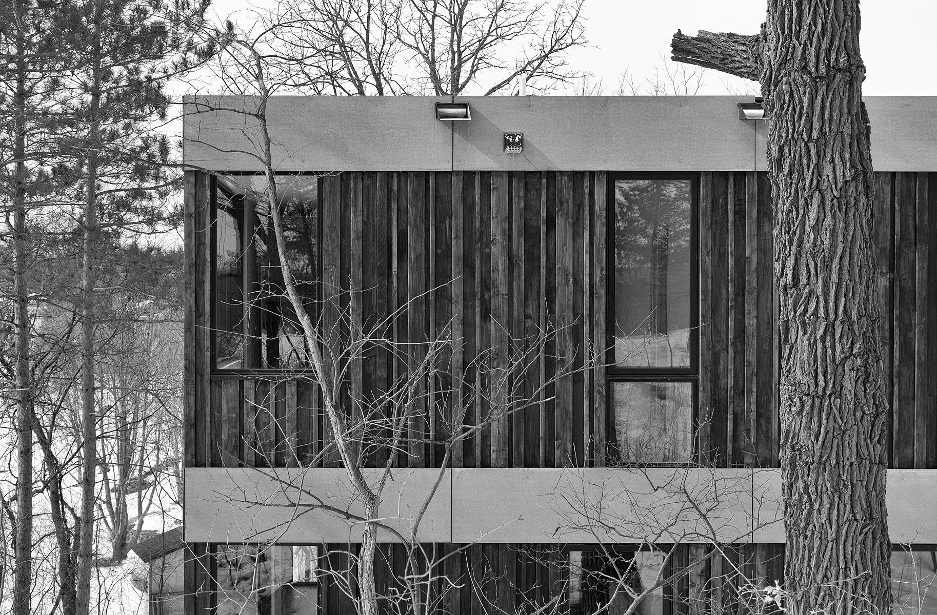 ALTUS-hanrehan-lake-house-5271-bw.jpg