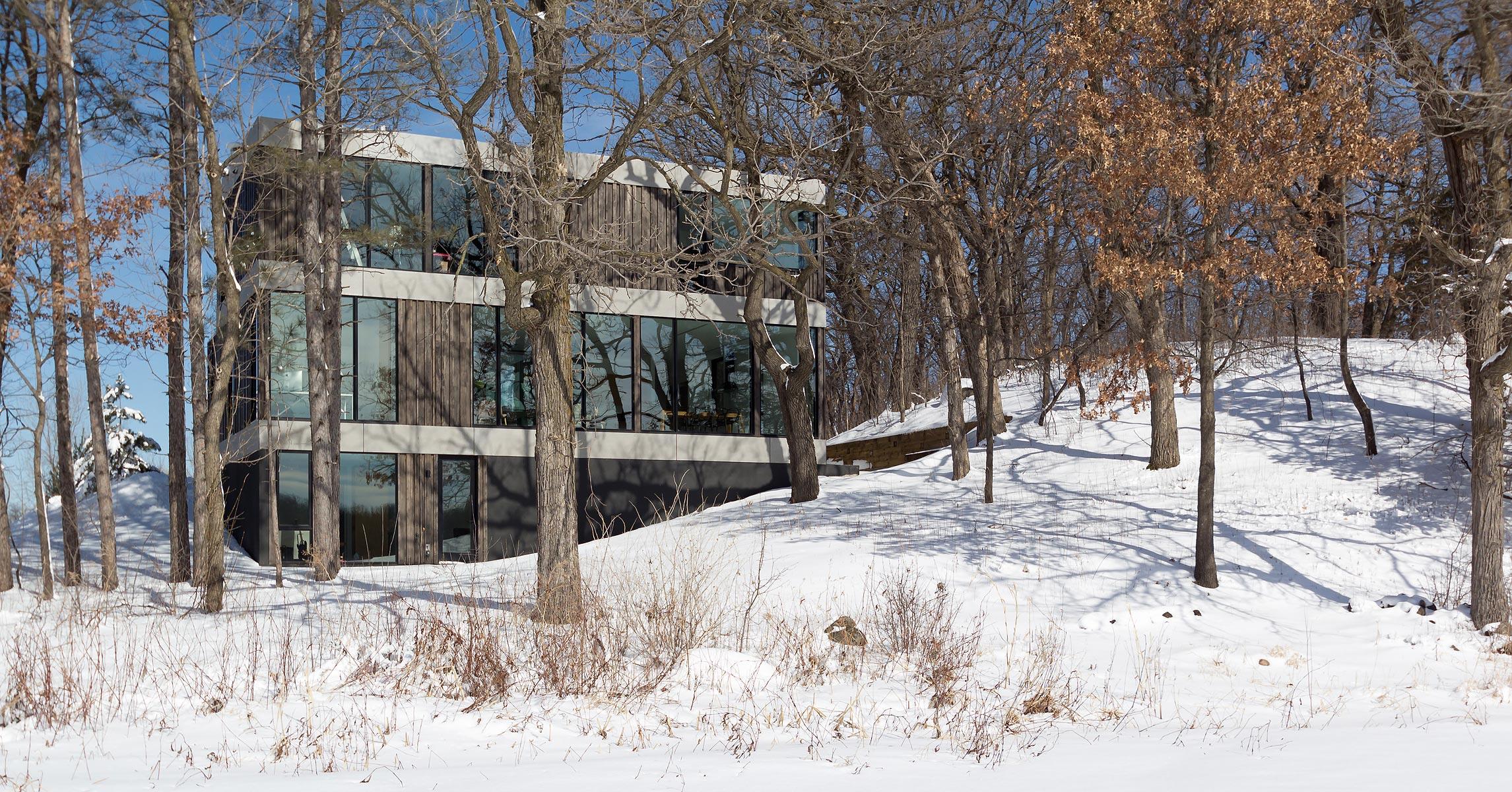 Hanrehan Lake House
