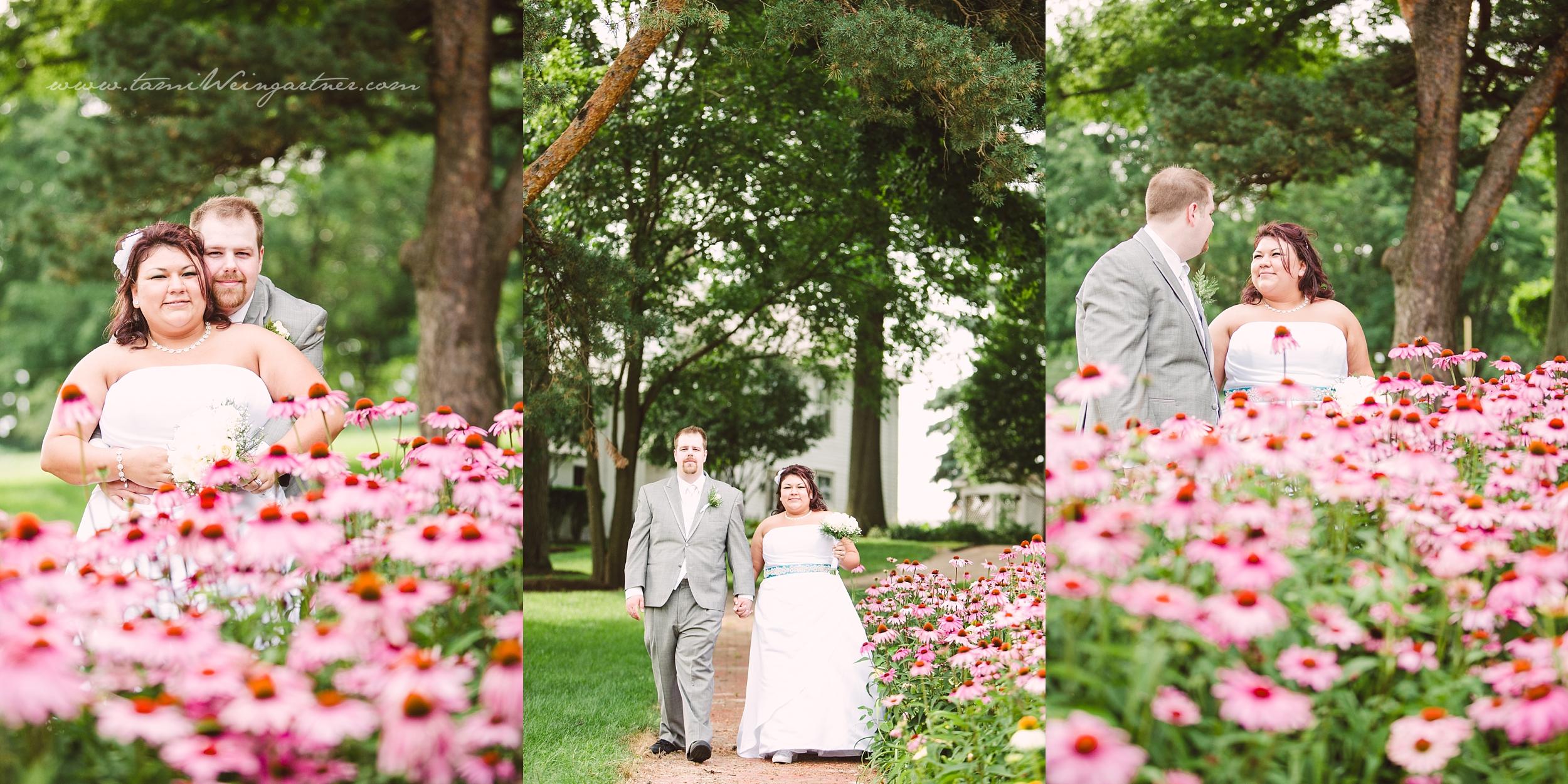 Youngstown Ohio weddding at Boardman Park Gardens in Poland