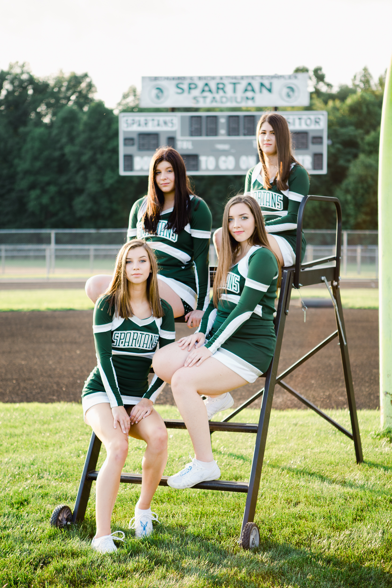 Laurel_HS_Varisty_Senior_2019_Cheerleaders (14 of 27).jpg