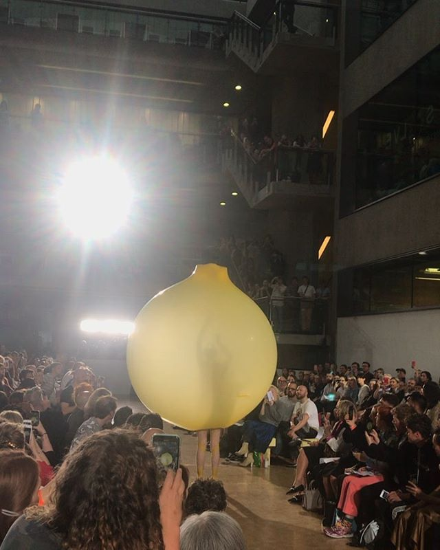PURE GENIUS. An explosion of creative talent hit the Central Saint Martins catwalk last night. From inflatables to virtual reality outfits, swipe to see the highlights from the phenomenal BA Fashion Show. #BAFCSM19