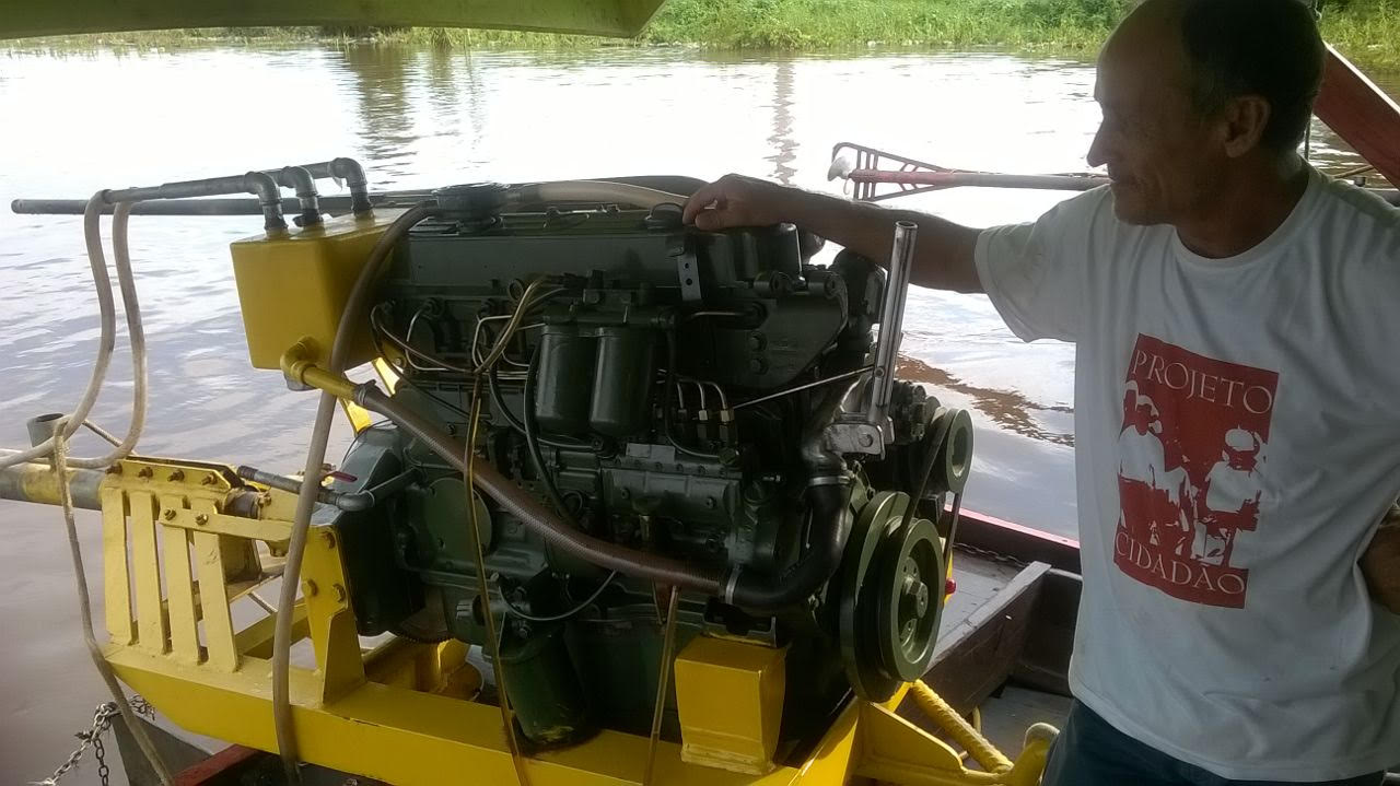 new houseboat motor