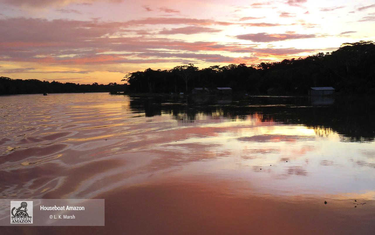 foto LKMarsh the liquid sunsets along the Eiru copy.jpg