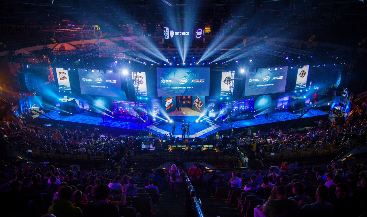 A large-scale esports event. Photo credit: Gabriel.gagne/Wikimedia Commons