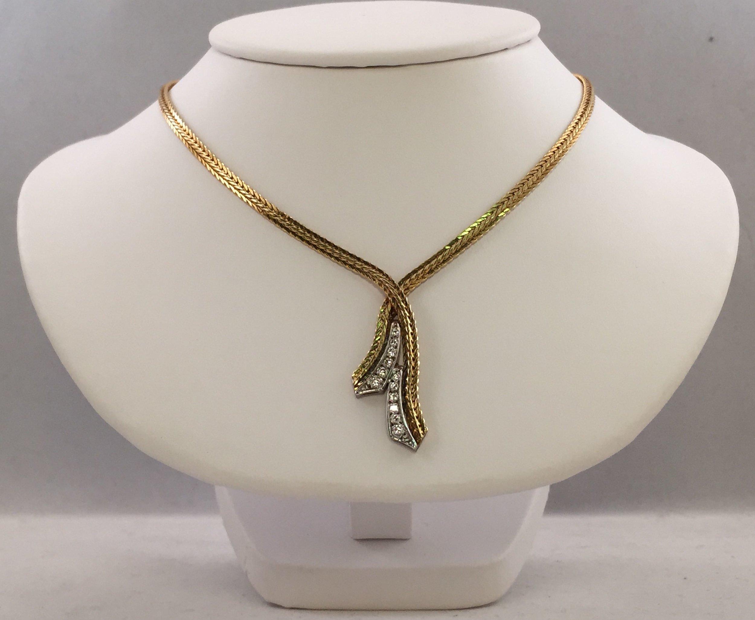 necklace_20143152.jpg