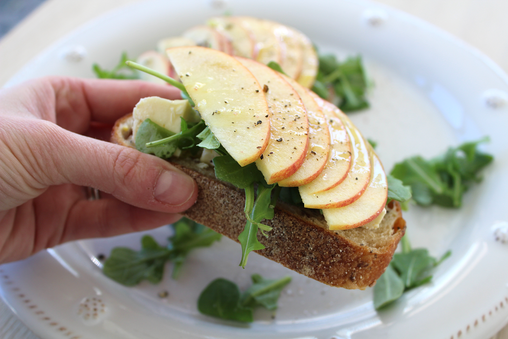Apple, Brie, Arugula Open Sandwich 3.png