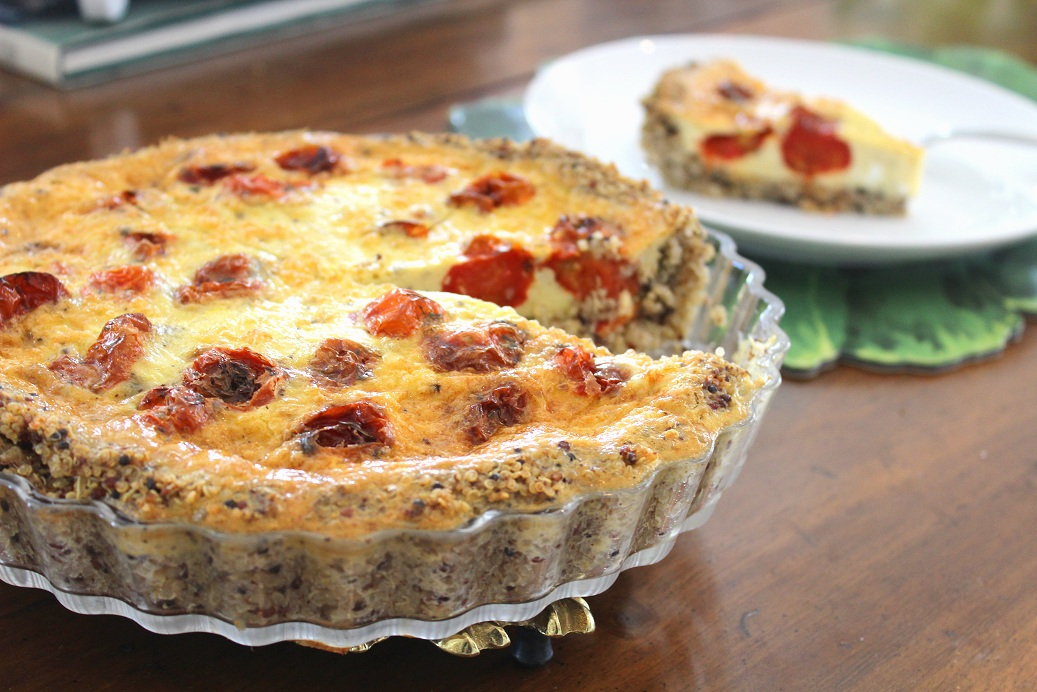 The ultimate healthy meal prep recipe!  Quinoa Crusted Quiche with Roasted Tomatoes and Thyme (GF, DF) is simple, quick, and easy!